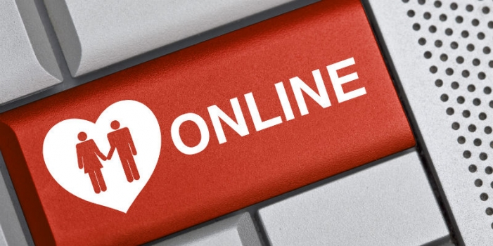 Does Real Love Exist in Cyberspace?